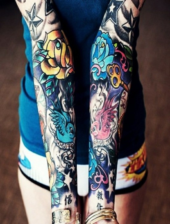 bunte asiatische motive sleeve tattoo ideen