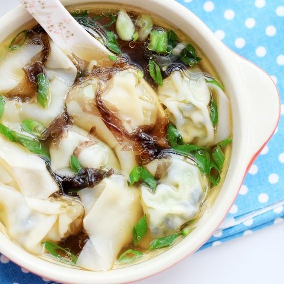 chinesische Wan Tan Suppe Wan Tan zubereiten