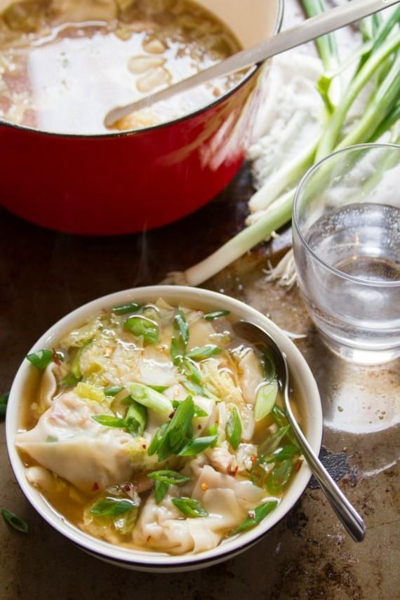 chinesische Wan Tan Suppe vegetarische Wan Tan Teigtaschen