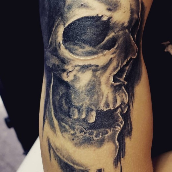 düsteres gesicht tattoo ideen
