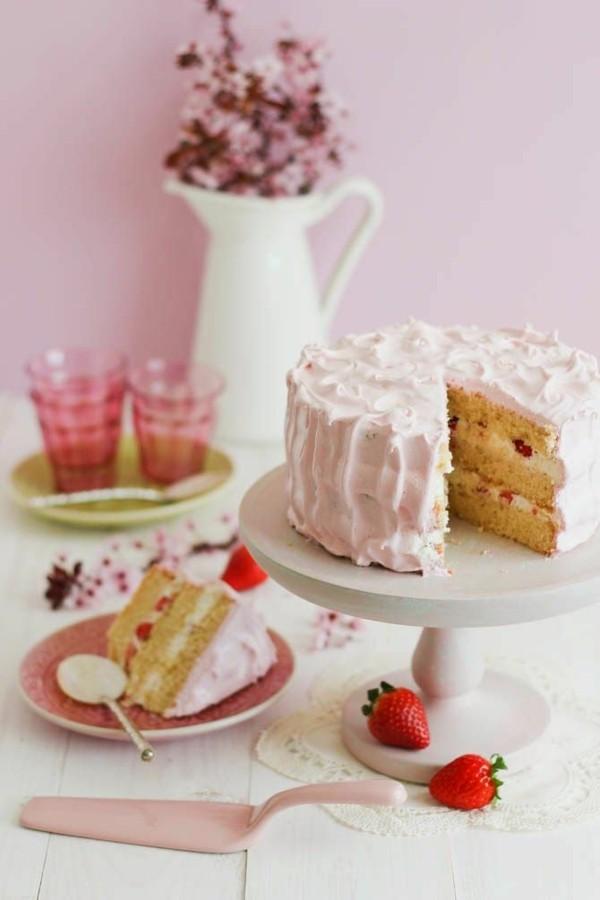 erdbeertorte mit pudding und vanille