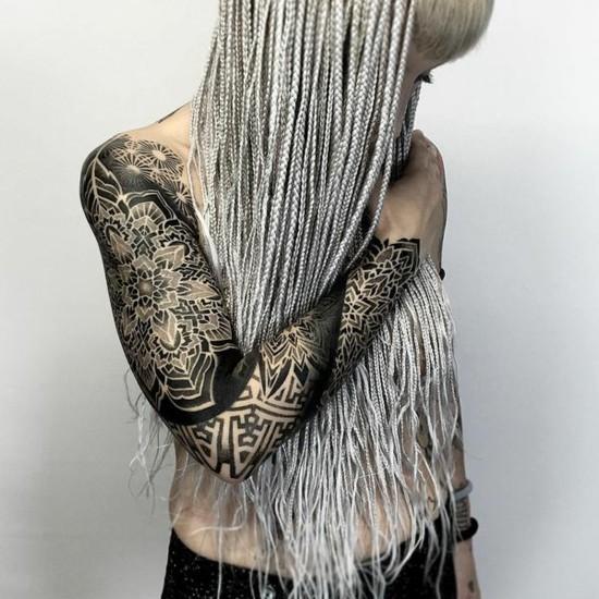 geometrische mandala sleeve tattoo ideen für frauen