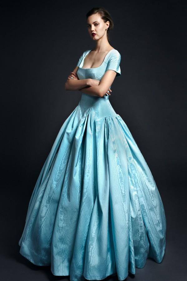 hellblaues Kleid Modetrends