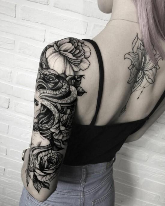medusa sleeve tattoo ideen blackwork