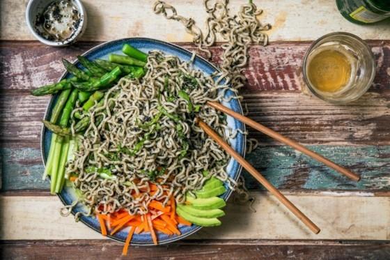 schwarzer Sesam gesund Sesamsamen schwarz Sesamöl Salat