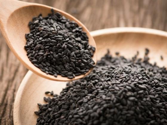 schwarzer Sesam gesund Sesamsamen schwarz