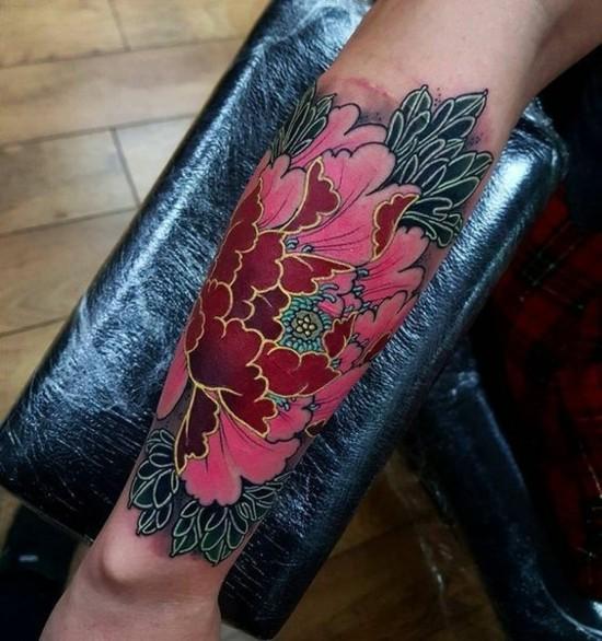 sleeve tattoo ideen gold blumen