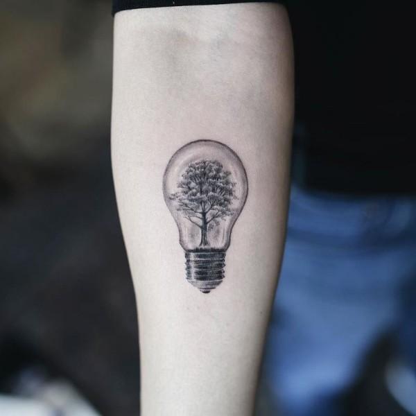 tattoo ideen eine tolle glühbirne