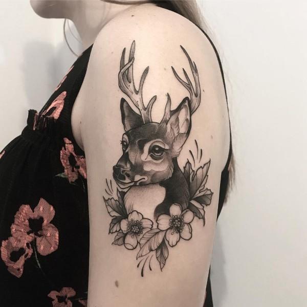 tattoo ideen lustiger hirsch