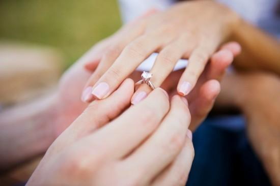 wo trägt man den verlobungsring heiratsantrag machen