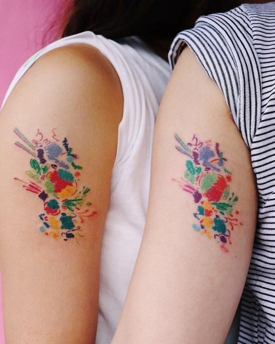 170 kreative Geschwister Tattoo Ideen und Inspirationen bunte abstrakte tattoos für schwester