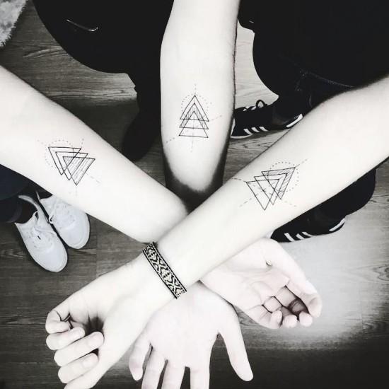 170 kreative Geschwister Tattoo Ideen und Inspirationen geometrisch drei passend