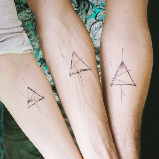 Geschwister tattoo dreieck bedeutung
