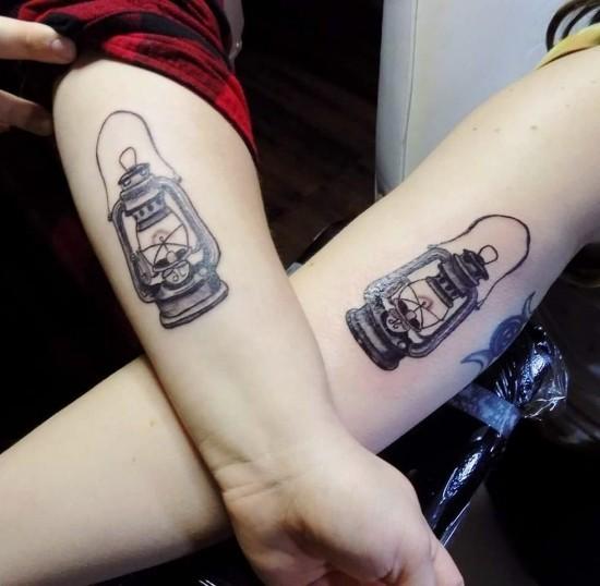 170 kreative Geschwister Tattoo Ideen und Inspirationen laternen licht im dunkeln