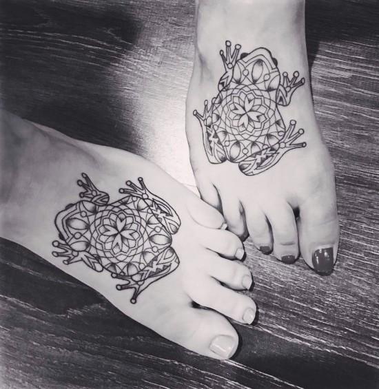 170 kreative Geschwister Tattoo Ideen und Inspirationen mandala frösche schwester bein