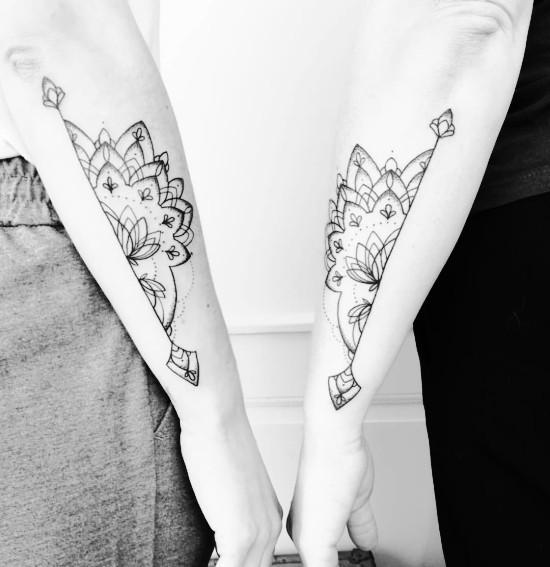 170 kreative Geschwister Tattoo Ideen und Inspirationen mandala zwei teile
