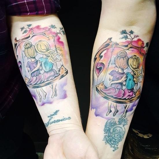 170 kreative Geschwister Tattoo Ideen und Inspirationen schwester schaukel wasserfarben bunt