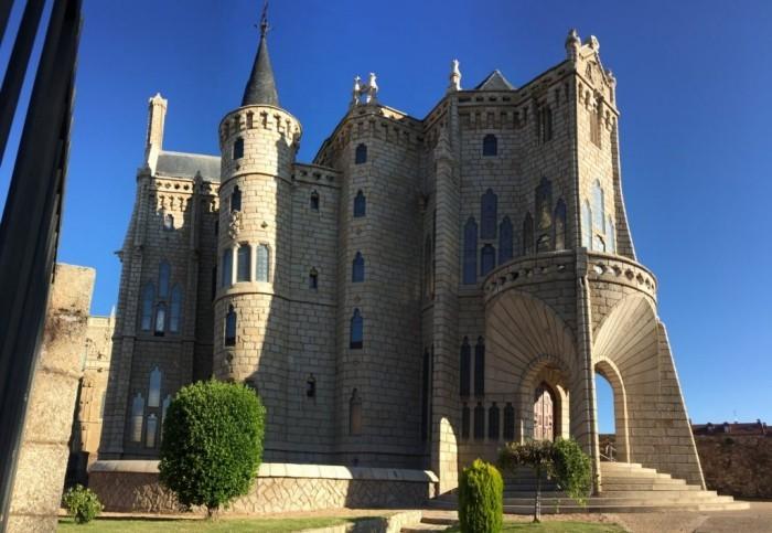 Antoni Gaudi Bischofspalast in Astorga im neugotischen Stil