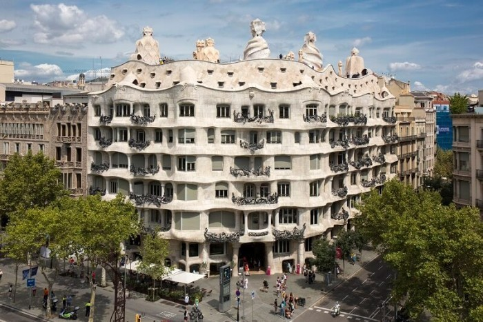 Antoni Gaudi Casa Mila die Wände individuell verändern
