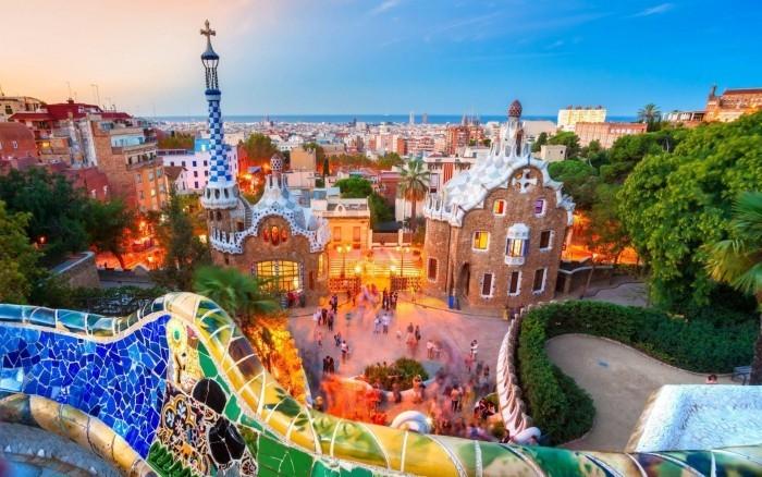 Antoni Gaudi Park Güell zweitgrößte Sehenswürdigkeit Barcelonas jährlich von 3 Millionen Touristen besucht