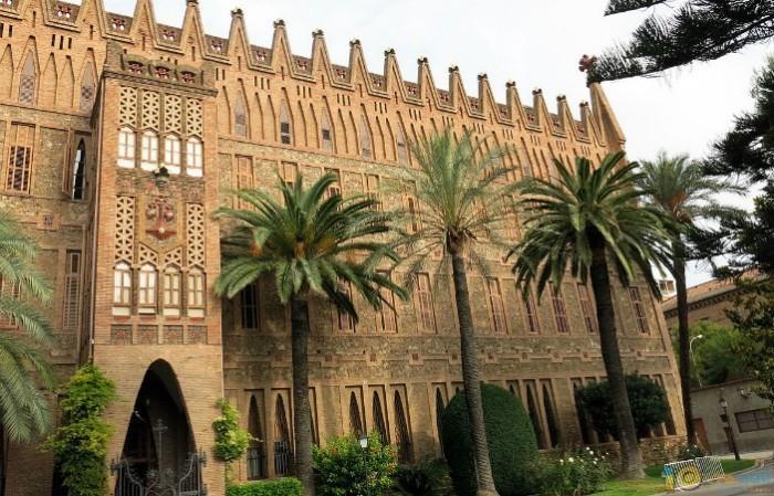 Antoni Gaudi großes künstlerisches Talent Klosterschule der Theresianerinnen