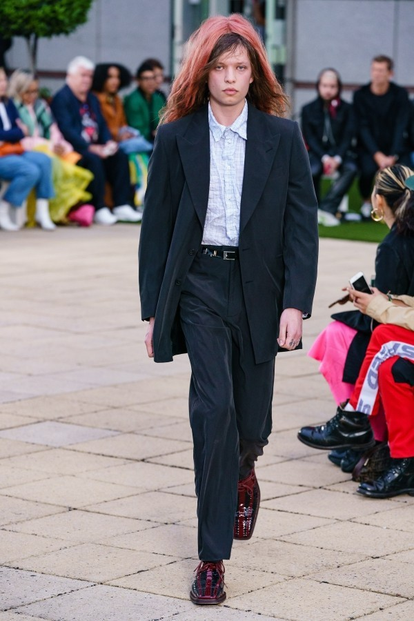 Anzug in Schwarz und Weiß - Modetrends Martin Rose
