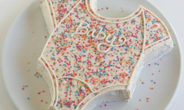Babytorte Junge Baby Shower Babyparty Torte selber machen Body