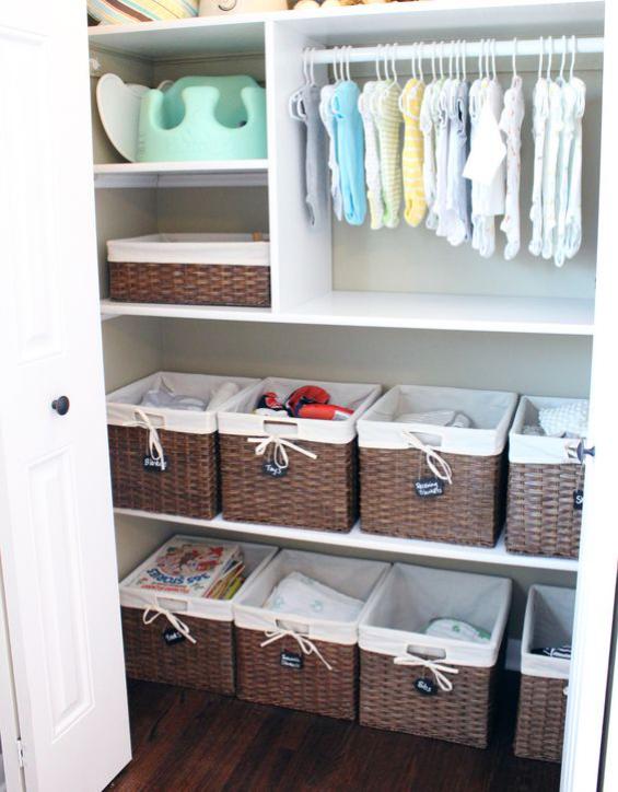 Babyzimmer einrichten gestalten Einbauschrank beste Ordnung der Babysachen