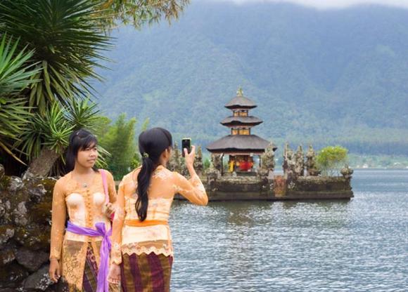 Bali Reisetipps Bali Packliste einheimische Bevölkerung Tempels