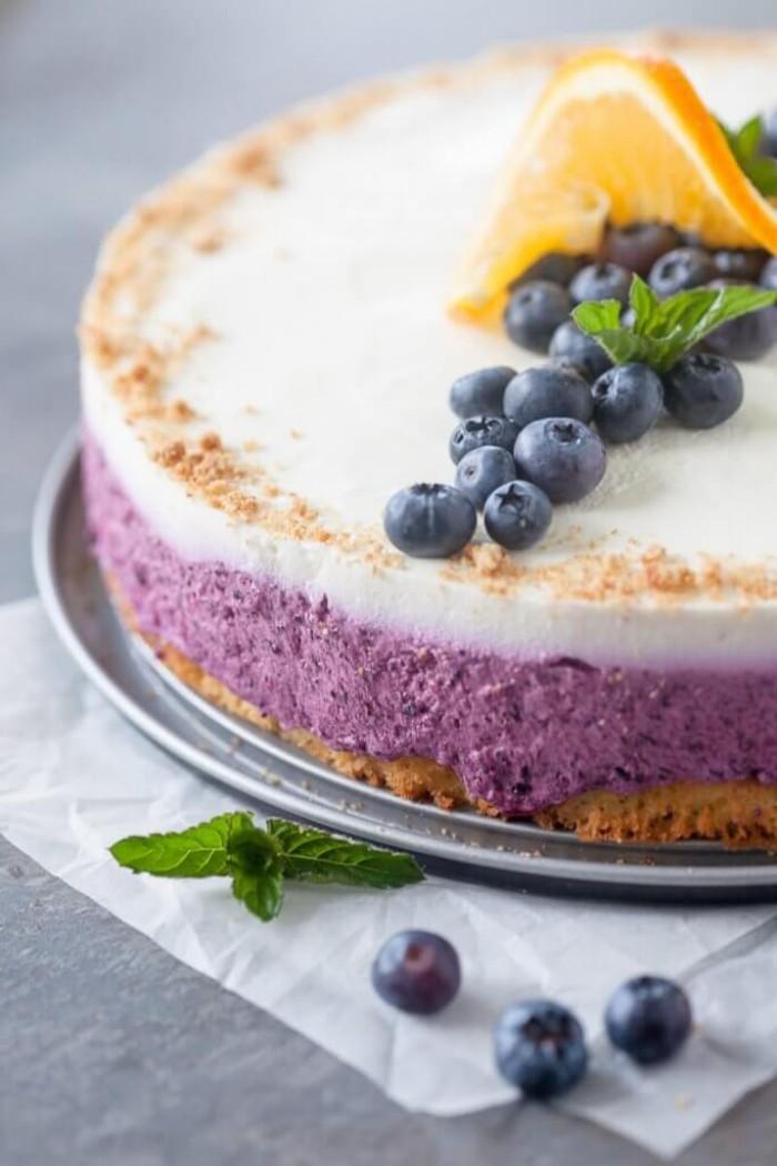 Blaubeerkuchen mit Cremefüllung leckeres Dessert schnelle Zubereitung