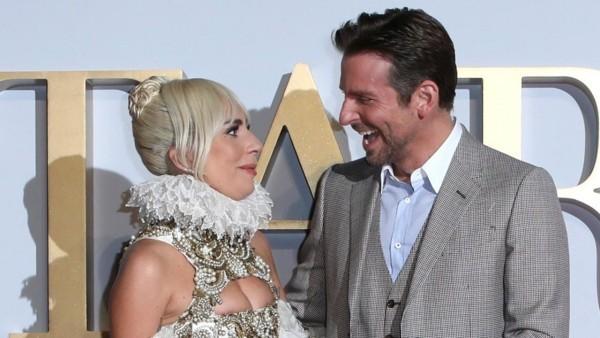 Bradley Cooper Lady Gaga bei offiziellen Events gut gelaunt fröhlich