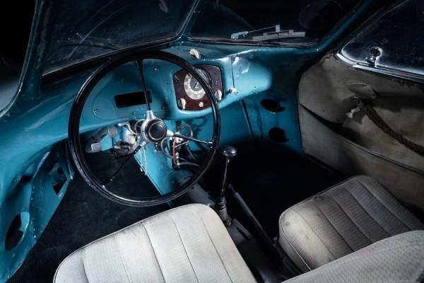 Der älteste Porsche Typ 64 wird für 20 Mio. USD versteigert blick vom inneren