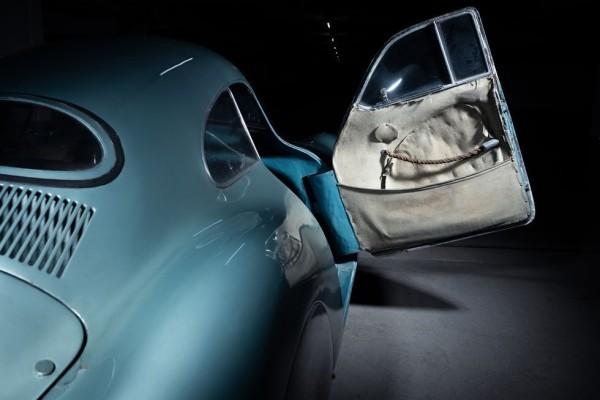 Der älteste Porsche Typ 64 wird für 20 Mio. USD versteigert die alte tür mit stoff bezug