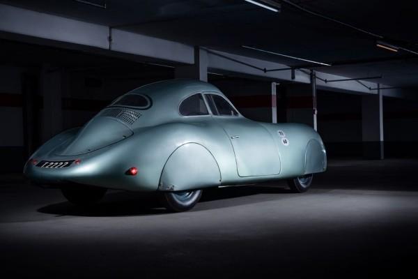 Der älteste Porsche Typ 64 wird für 20 Mio. USD versteigert seitenblick des 80 jährigen autos