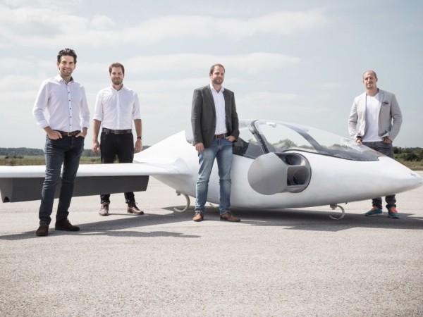 Erstes Flugtaxi vom deutschen Unternehmen Lilium im Test das team hinter lilium