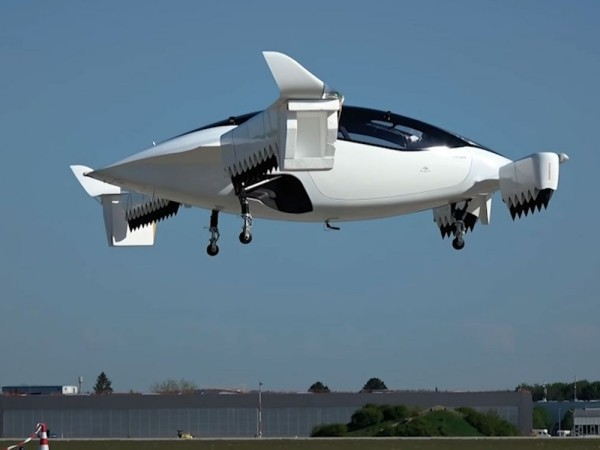 Erstes Flugtaxi vom deutschen Unternehmen Lilium im Test fliegendes auto im test