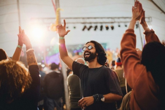 Festival Packliste Musikfestivals 2019 was mitnehmen bequeme Bekleidung