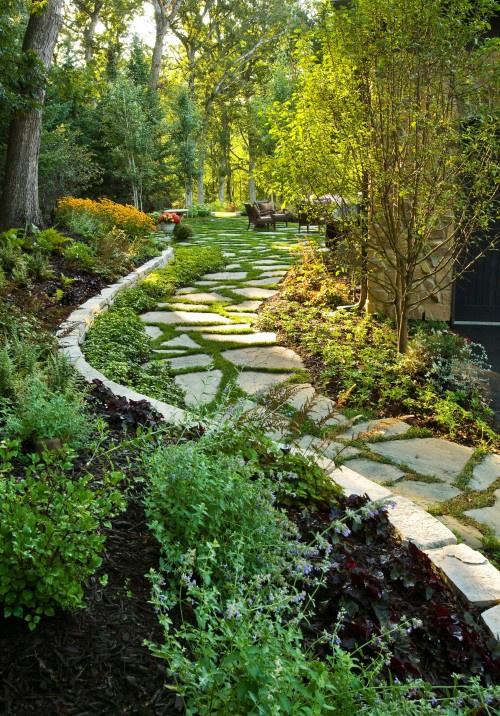 Gartenwege aus Stein Kopfsteinpflaster zum Einfassen der Gartenwege Wegränder