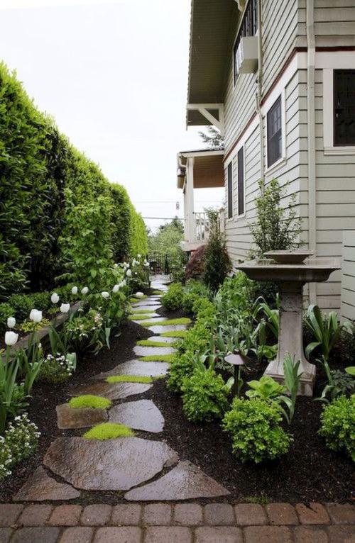 Gartenwege aus Stein aus Gartenweg Steinplatten Blumenbeete