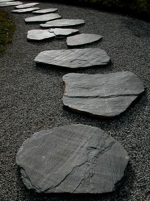 Gartenwege aus Stein im Stil japanischer Garten