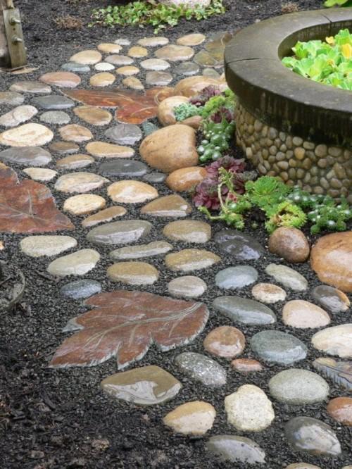 Gartenwege aus Stein polierte Steine Trittsteine mit Pflanzenmuster