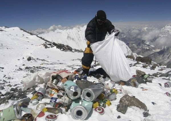Höchste Wetterstation der Welt auf Mount Everest errichtet müll auf dem dach der welt