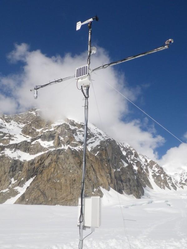 Höchste Wetterstation der Welt auf Mount Everest errichtet weeterstation turm everest gletscher