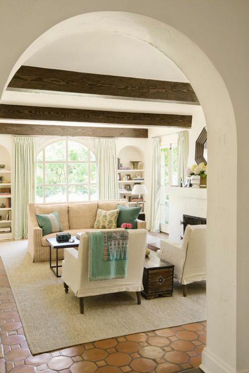 Halbkreisfenster gewölbte Zimmerdurchgänge Wohnzimmer abgerundete Formen stimmen überein