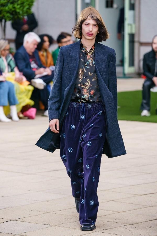 Interssanter halbsportlicher Anzug - Modetrends