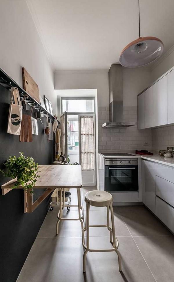 Küchentische Umklappbarrer Tisch an der Wand
