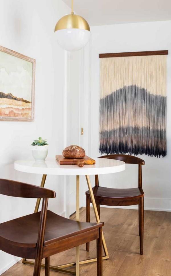 Küchentische - fabelhafte Idee mit weißer Farbe und Holzstühlen