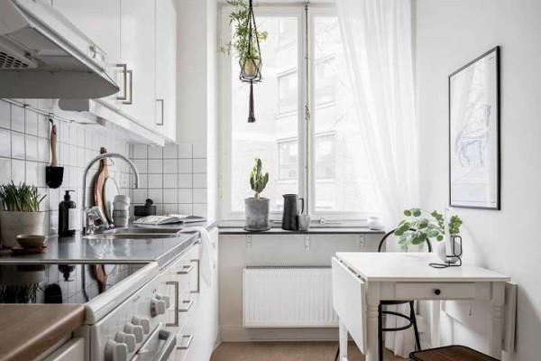 Küchentische helle Kücheneinrichtung