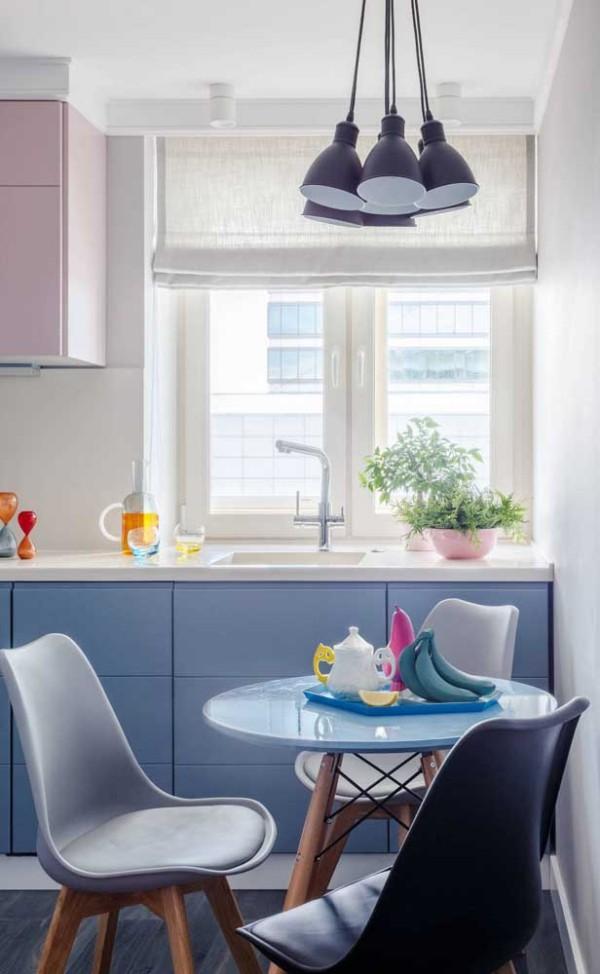 Küchentische in toller blauer Farbe