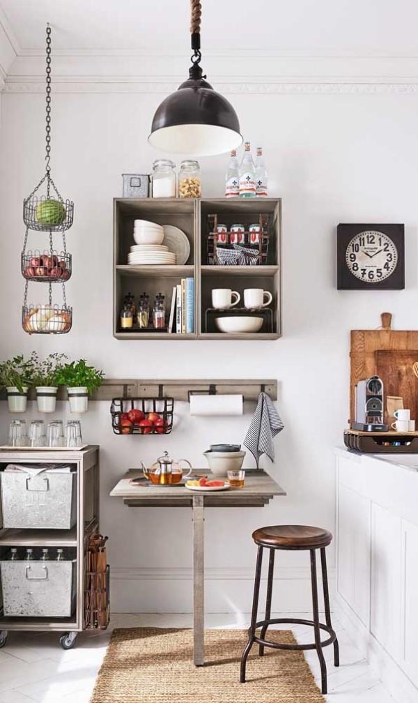 Küchentische mitten in einem Raum